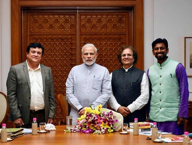 Narendra Modi with BCoE and Darshan Mehta